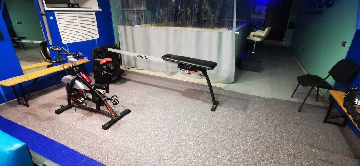 Рулонное покрытие Kraitec в домашнем спортзале